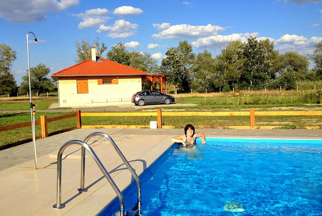 vakantiewoningen hongarije poesta bungalow tiszagyenda 01